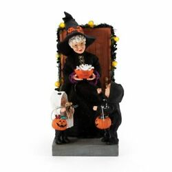 Dept 56 Possible Dreams Boo Sports And Leisure 6006454 Mrs Claus Trick-or-treat