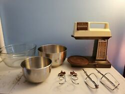 Vintage General Electric Stand Mixer 12 Speed Beaters, Dough Hooks, 3 Bowls Lot