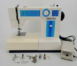 White 1510 120v Deluxe Precision Built Zigzag Sewing Machine With Foot Pedal
