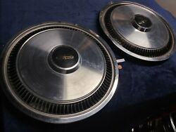 Pair 1980 1981 1982 Two Vintage Lincoln Town Car Hubcaps Wheel Covers 15