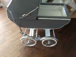 Baby Pram Vintage Carriage , Stroller , Buggy , Gray And White Excellent Condition