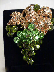 STUNNING VINTAGE ESTATE gold TONE HIGH END RHINESTONE GRAPE BROOCH!!!