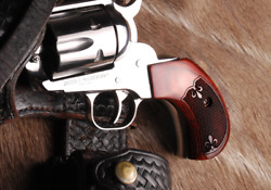 Ruger Grips For Old And New Vaquero Birds Head Pistols. Made In Usa