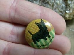 Small Old Primitive Vintage Tin Pinback Button Scottish Terrier Scottie Dog