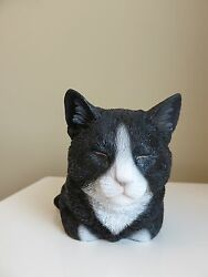 BLACK AND WHITE CAT SLEEPING FIGURINE KITTEN 8 in.animal farm resin