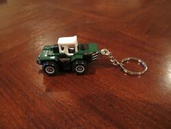 Farm Tractor Industrial Tractor Diecast Model Toy Keychain Keyring Green White