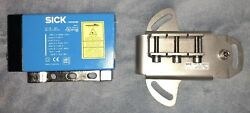 Sick Dme5000-113 Distance Measuring Device Nos Includes 2027721 Mounting Plate