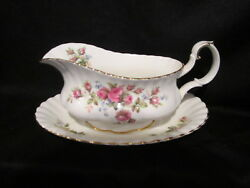 Royal Albert - Moss Rose - Gravy Boat And Stand