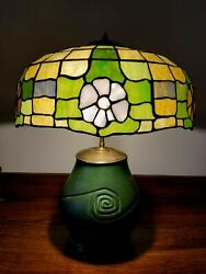 Vintage Arts And Crafts Leaded Glass Table Lamp W/ Hampshire Art Pottery Base