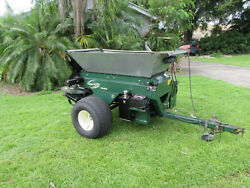 Top Dresser Self Contained Gas Powered 11 Hp Engine Turfco Sp Wide Spin 1530