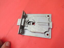 Nos 1935 Ford Coupe Roaster Cabriolet Rumble Seat Lid Latch 48-713700 D-5-11
