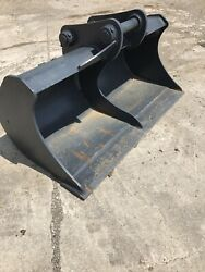 Heavy Duty Cat 307/308 60andrdquo Excavator Clean Out Bucket