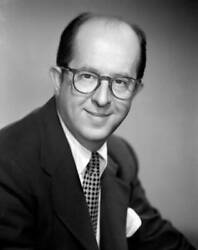 Old Cbs Radio Tv Photo Phil Silvers As He Stars In The Tv Show Sergeant Bilko 4