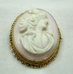 Antique Lovely 9 Carat Gold And Carved Pink Conch Shell Cameo Brooch