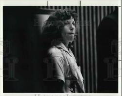 1990 Press Photo Cheryl Lessin With Her Lawyers During Court Recess - Cva26677