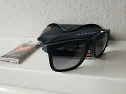 Ray Ban Justin Classic Polarized Black Frame Grey Gradient Lens RB4165 601 8G $64.99