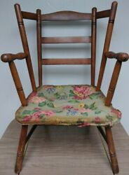 Rare Antique 18th Youth Fan Back Chair Excellent Condition
