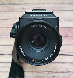Hasselblad 501c + Hasselblad Carl Zeiss Planar C T 80 Mm F2.8 Late Model Lens