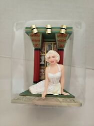 Carlton Cards 2004 Marilyn Monroe Merry Christmas To All Light Ornament - New