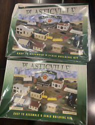 Bachmann - Plasticville - Firehouse With Vehicles - And Dairy Barn