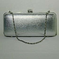 Silver Toned Hard Case Evening Clutch With Sparkle Closure Lot 781 lisasfinds $11.00