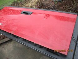Used 2004-08 Chevy Colorado Tailgate/cleaner W/hardware Red In Color/some Rust