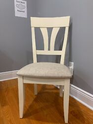 Saloom New England 6 Chair Set. Full Sized Chairs. Floor Model Never Used/sold