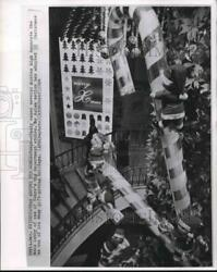 1964 Press Photo Candy Canes Stories High Decorate Tokyo Department Store