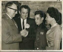 1963 Press Photo Harry Maxfield Presents Honor To Eagle Scout Paul B. Gisclair