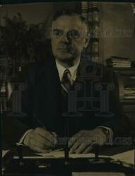 1941 Press Photo Police Chief Joseph Thomas Kluchesky At His Desk After 29 Years