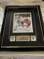 Fantastic Hall Of Fame Bobby Orr Signed And Authenticated Photo Sports Memorabilia