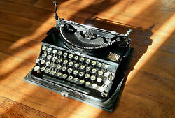 Vintage Imperial Good Companion Portable Typewriter 1939 In Working Condition