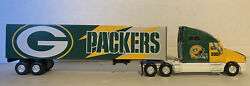 Fleer Collectibles - Green Bay Packers - Semi Truck And Trailer - Dated 2001