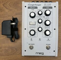 Moog Moogerfooger Mf-104m Analog Delay Effects Pedal - Rare Limited White