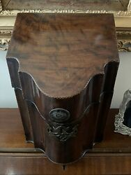 A George Iii Mahogany Crossbanded And Marquetry Inlaid Knife/stationary Box 39x30