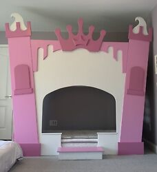 White And Pink Castle Bunk Bed Playhouse Loft Bed - A Free Princessandnbspchandelier