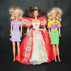 Lot Of 3 Barbie Dolls With Outfits Cf01566