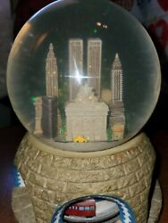 Vintage New York Snow Globe With Twin Towers