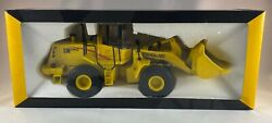 New Holland Construction Die Cast Metal Tractor Front End Loader Nib New Toy