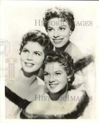 1959 Press Photo Phyllis Mcguire With Her Sisters - Lrx86144