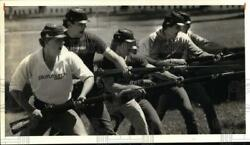1984 Press Photo Fort Ontario-civil War Reenactment Soldiers With Bayonets