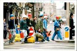1993 Army Workman Carrying Shovles And Brooms Arri - Vintage Photograph 2075772