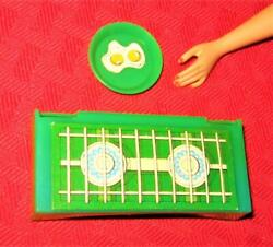 Vintage Mod Barbie Accessories Yellowstone Kelley Green Stove And Plate Lot