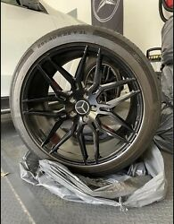 """Set Of 4 22"""" Giovanna Bogota Rims With Continental Tires For Mercedes G550"""