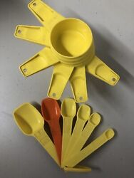 Vintage Yellow Set Of 12 Tupperware Kitchen Measuring Cups And Spoons