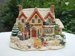 Lilliput Lane The Star Inn The 2000 Christmas Special Edition Mint And Boxed.