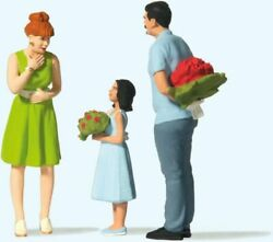 New 2021 Preiser Figures G 122.5 Scale Mom Getting A Surprise Gift  44934
