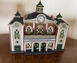 Dept 56 Christmas In The City Series- Grand Central Railway Station - Nr. 5888-1