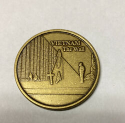 Veterans Of Of Foreign Wars Vfw Challenge Coin - Vietnam The Wall