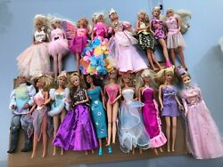 Lot 17 Vintage 1966 Barbie Dolls W/ Outfits Made In Malaysia Indonesia And China